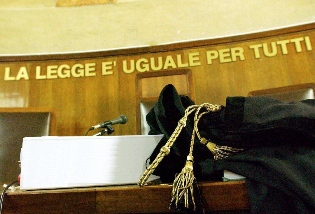tribunale, azione legale, causa